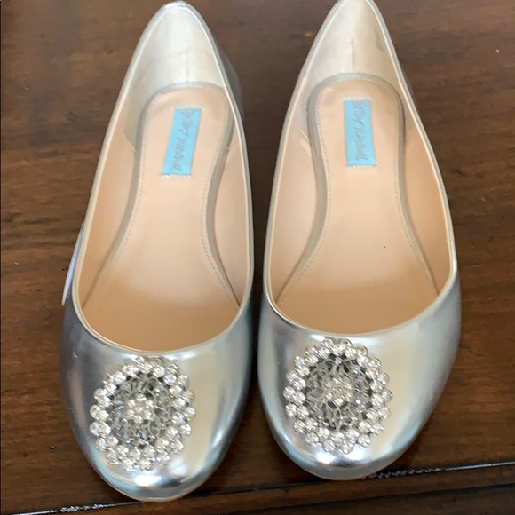 Betsey Johnson Jeweled ballet flats size 8.5